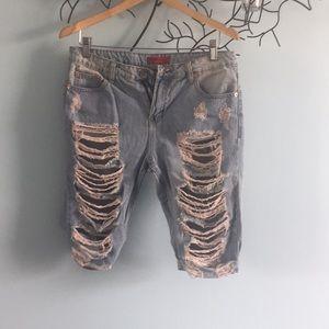 Pants - Ripped skater shorts
